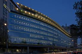led string true colours continuous appearance and user friendly design for eye catching faade lighting zumtobel and ledon developed a special line building facade lighting