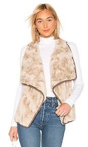 Купить женские <b>меховые жилеты</b> в интернет-магазине Lookbuck