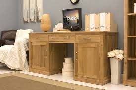 picture of mobel oak large hidden office twin pedestal desk baumhaus mobel oak twin pedestal computer