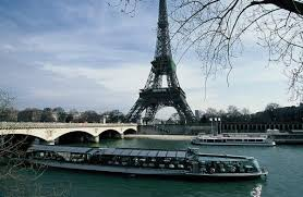 Resultado de imagem para bateaux parisiens