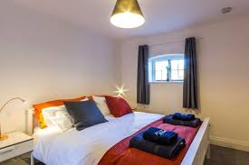 The Maltings- Flat in St Dunstans close to Uni of Kent & West Station ...