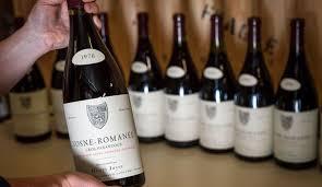 """Les dernières bouteilles du """"Roi du Bourgogne"""" Henri Jayer mises en vente à Genève"""
