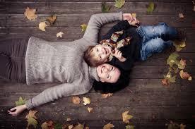 Resultado de imagem para mae feliz com filho no colo