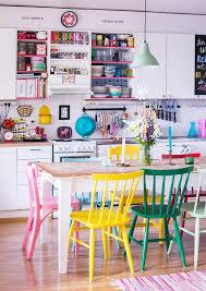 vriks ruokailutila colourful dining area unelmien talokoti kuva satu nystrm toimittaja bright coloured furniture