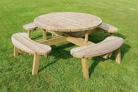 Tavolo Da Terrazzo In Legno : Tavoli e sedie da esterno in legno cesena stilfaber