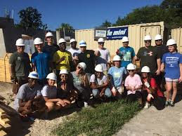 stetson university college of law news florida s first law school the stetson volunteers at the habitat for humanity build site on aug 19