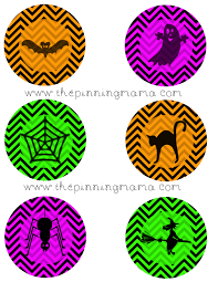 http://www.thepinningmama.com/2013/09/11/free-printable-halloween-cupcake-toppers/
