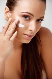 Best Moisturizers for Dry Skin - BetterNutrition.com - Better Nutrition