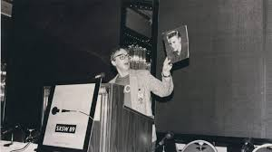 cd 36 election today hahn vs huey robert christgau at sxsw 1989 photographer unknown