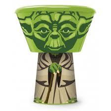 <b>Набор</b> пластиковой посуды из <b>3</b>-<b>х предметов</b> (в виде героя). Йода