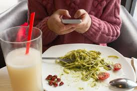 are smartphones to blame for slow service at restaurants eater are smartphones to blame for slow service at restaurants