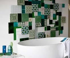 Colori Per Dipingere Le Pareti Del Bagno : Scegliere i rivestimenti bagno piastrelle sì no