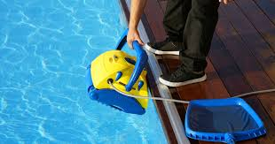 The 10 Best Robotic <b>Pool</b> Cleaners of 2019 - Comparisons & Reviews