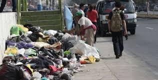 Resultado de imagen para fotos de calles llenas de basura