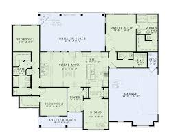 square feet  bedrooms  batrooms  parking space  on        square feet  bedrooms  ½ batrooms  parking space  on