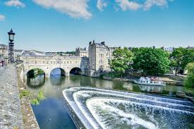Are you thinking about buying or renting a property in central Bath? During  the Georgian era, Bath became a popular spa town, which left a heritage of  ...