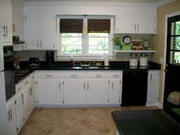 kitchen paint colors with cream cabinets:   in kitchen paint colors