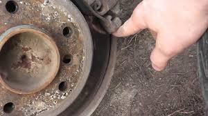 Как подтянуть ручник не снимая тормозной диск и супорт ...