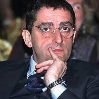 Mauro Crippa. Vive il suo battesimo di fuoco in casa Berlusconi nel 1987. Era responsabile dell'ufficio stampa della Mondadori nel pieno della Guerra di ... - 173104454-f1b5fabf-36b9-42c6-afce-5285abe628d0