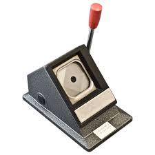 <b>Вырубщик для значков Stand</b> Cutter Square Shape 37х37 мм ...