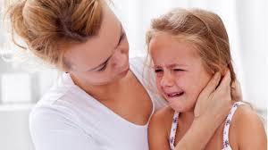 Αποτέλεσμα εικόνας για εικονες Πόνος στο αυτί του παιδιού