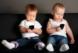 Hasil gambar untuk pengaruh gadget terhadap anak
