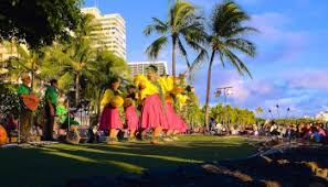 photo essay celebrating the end of summer with scenes from hawaii  kuhio beach hula capturing my favorite show over the years with my changing