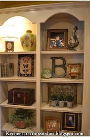 How to decorate shelves: this blog is THE BEST!!!! | <b>Estantes</b> ...