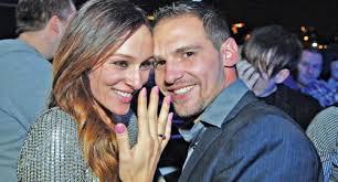Andrej Atijas, sarajevski biznismen koji je u braku sa pevačicom Anabelom Bukvom, odlučio je da se ... - 249153-66