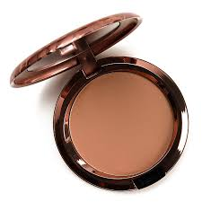 <b>MAC Beige-ing Beauty</b> Radiant Matte Bronzing Face Powder ...
