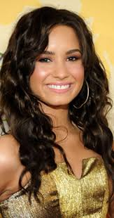 Demi Lovato - Biography - IMDb
