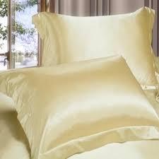 подушка из шелка