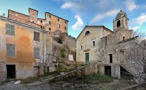 Il fascino dei luoghi abbandonati Images?q=tbn:ANd9GcShciRyupK4wVH3wJsD5igJ9cvY--dkdlYQ4_VaexeE7LR1qG_XNA
