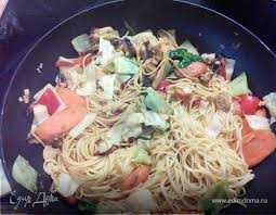 <b>Китайская лапша</b> с овощами. Ингредиенты: <b>лапша</b>, морковь ...