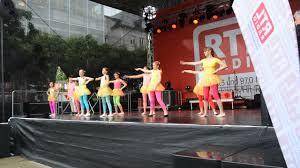 <b>Весёлый</b> Саксофон танцевальная детская группа - YouTube