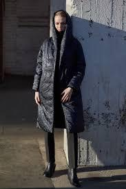 <b>Утепленное пальто с капюшоном</b> V191260N-1397C67