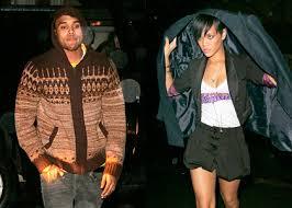 Rihanna et Chris Brown ont l'approbation du père de la chanteuse