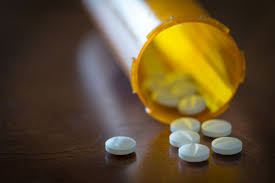 who is responsible for the pain pill epidemic the new yorker how did doctors who pledge to do no harm let the use of prescription