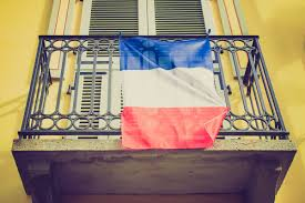 what sound does a french duck make or onomatopoeia in different french flag