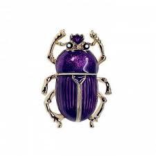 <b>Брошь скарабей</b> фиолетовый Стильный дополняющий образ ...