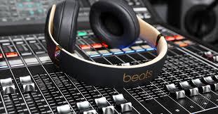 <b>Beats Studio 3 Wireless</b> review: bifurcating ecosystems - The Verge