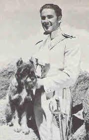 Ο Εrron με τον σκύλο του...