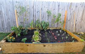 Small Picture DIY Raised Bed Vegetable Garden With Recycle Wood And Wire Trellis