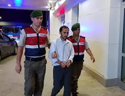 Türk bayrağını indirmek isteyen kişi tutuklandı