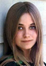 Maureen McCormick is an American actress. She was born in 1956 at Los Angeles, California. - Maureen_McCormick