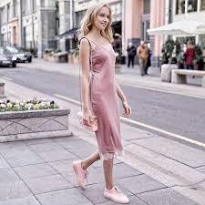 Платье-<b>комбинация</b> - не только для вечерних образов! Пудровое ...