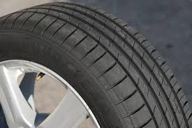 <b>Goodyear EfficientGrip Performance</b> review | Auto Express