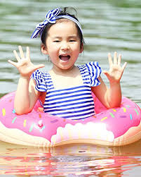 Strawberry & Chocolate Buringer 2 Packs Donut Pool Float with ...