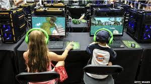Resultado de imagen para jugando videojuegos en escuelas