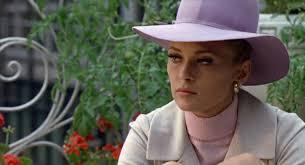 """Faye Dunaway - Vicki Anderson. """"The Thomas Crown Affair"""" non è una vera e propria commedia sentimentale, ma non è nemmeno un dramma. - FayeDunaway_VickiAnderson"""